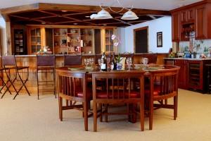 custom furniture makers in montana
