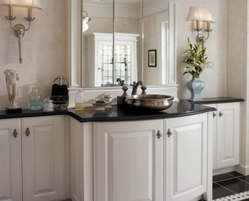 custom bathroom cabinetry design
